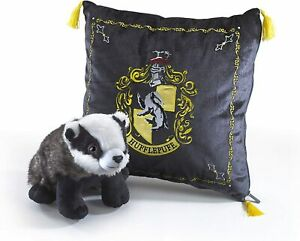Harry Potter Hufflepuff House Cushion and Badger Plush Noble Collection NN7045