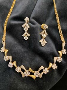3.66 Cts Round Brilliant Cut Diamonds Necklace Earrings Set In 585 Fine 14K Gold