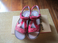 New Camper for Kids Girls Sandals Size 31 (Us 13)