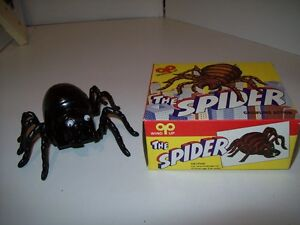 Crawling Spider Vintage Wind Up Toy New With Life Like Crawling Action