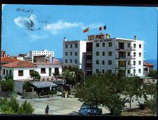 "TARRAGONA (ESPAGNE) RENAULT 4L au BAR-RESTAURANT ""LES PINS"" animé en 1974"