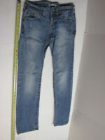 Aeropostale Bayla Skinny Leg Blue Denim Jeans Junior Size 1/2 Short Court pants
