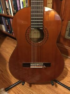 Alvarez AC460S Classical Acoustic Guitar & Case