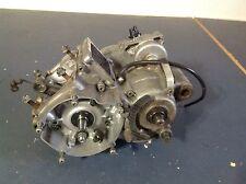 (B) 2001 01 Yamaha YZ125 YZ 125 bottom end motor engine center left right case