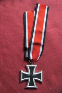 Medalla alemana Cruz de Hierro II segunda guerra mundial 1939 versión año 1957