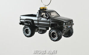 Back to the Future '87 Toyota 4x4 Pickup Truck Custom Christmas Ornament 1/64