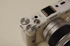 PENTAX Q 12.4MP Digital Camera - White w/ 5-15mm Lens --Excellent condition