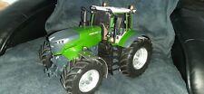 Blocher Traktor mit Allradantrieb