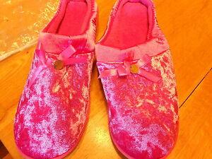 Slippers from Avon Women (new) VELVETEEN MEMORY FOAM PINK (LG 9-10)
