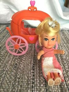 vintage 1967 Hasbro storykins Cinderella In Pumpkin Carriage with HTF slippers