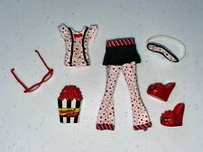 Monster High Ghoulia Yelps Dead Tired Clothes and Accessories