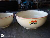 "Vintage Universal Cambridge Circus Floral Camwood Ivory Pottery 9"" Bowl"