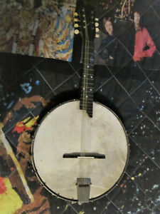Vintage Banjolin plays and works well is in good condition (Brand Known)