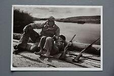 R&L Postcard: Ernest Hemingway & Son Gregory Sun Valley Rifle Gun