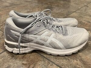 BARELY WORN Women's Asics GT 2000 8 Gray/White US Size 11 Running Shoes F460819