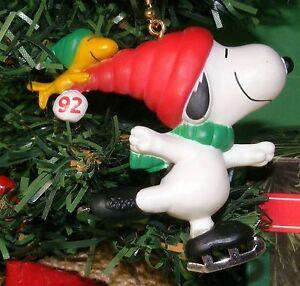 Hallmark Ornament 1992 Peanuts Snoopy & Woodstock Ice Skating MIP