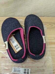 Gumbies Outback Slippers House Shoes - Women's - Navy/Pink Size 7 NWT