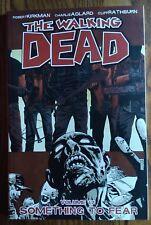 THE WALKING DEAD VOL 17 *SOMETHING TO FEAR* GRAPHIC NOVEL/TPB KIRKMAN/ADLARD NM+