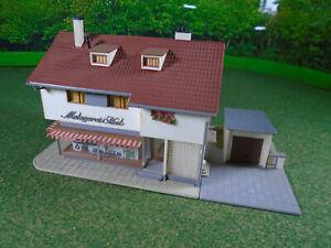 Vollmer 7322 pre-built House Store with Garage HO Gauge model railway VGC