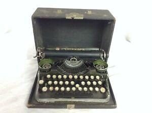 Antique 1930's Underwood Standard Portable Typewriter & Case Vintage Green
