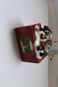 Hallmark Ornaments Woodstock on Doghouse A Snoopy Christmas Lucy Charlie Linus