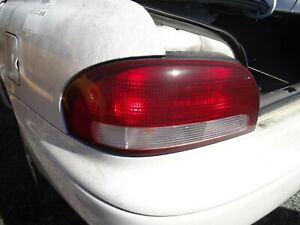 1998 1999 MAZDA 626 LEFT DRIVERS SIDE TAIL LIGHT NICE OEM