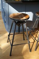 Bistro-style stool in Pewter colour finish, 64-82cm adjustable height