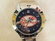 """NEW YORK YANKEES"" CUSTOM CASUAL STAINLESS STEEL BAND DRESS WRIST WATCH ""NEW"""