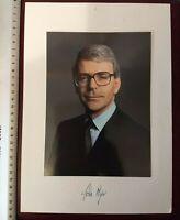 Nice Large hand signed/autographed Photo of UK Prime Minister John Major