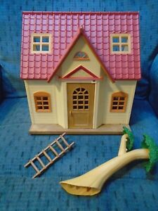 Epoch Sylvanian Family Calico Critters Starter House Dollhouse & Tree
