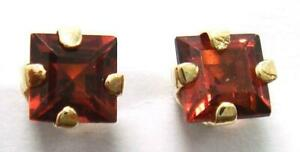 SYJEWELLERY 9CT SOLID YELLOW GOLD SQUARE NATURAL GARNET STUD EARRINGS E961