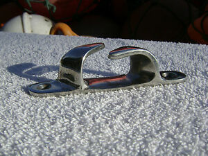 4+1/2 INCH STAINLESS STEEL BOAT CHOCK (D2C330)