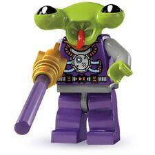 #13 LEGO Minifig series 3 8803 space alien games train