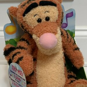 VINTAGE DISNEY WINNIE THE POOH Sing N Giggle Tigger Toy Fisher Price Tested