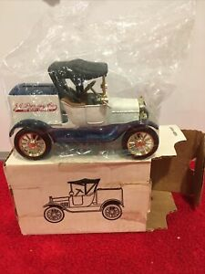 ERTL 1918 RUNABOUT BANK J.C. Penney 1/25 SCALE  New VINTAGE 1988