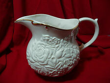 LENOX water pitcher.  Cream with Gold trim.  CONFORTI Collection.  Beautiful