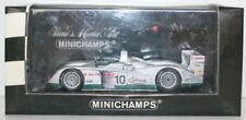 Véhicules miniatures MINICHAMPS avec support pour Audi