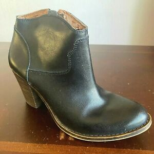Lucky Brand Eller Ankle Boots size 8 M Black Leather Side-Zip Booties