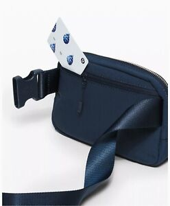 New Lululemon Everywhere Belt Bag True Navy