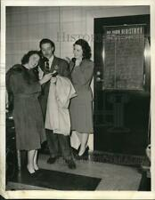 1944 Press Photo Julie Stevens, Lon Clark & Anne Seymour, NBC Radio stars