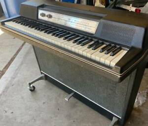 Wurlitzer 203w Electric Piano in Excellent Working Order - Extremely Rare > 200a