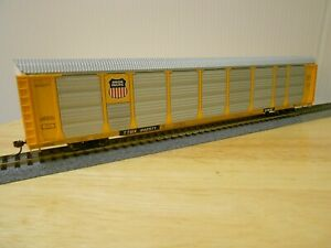 Walthers Gold Line Kit Bilevel Autorack Union Pacific (UP) Assembled HO Scale