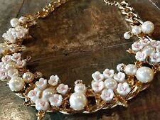 ~MUST! RUNWAY FLOWER DOLCE CAMELLIA Designer GIRL Pink Pearl daizy NECKLACE VTG