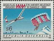 Timbre Avions Sports Parachutisme Autriche 1776 ** lot 11545