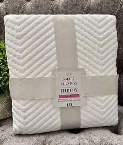 NEXT Smart Chevron White Luxury Bed Sofa Throw 150cm X 200cm NEW