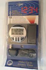 La Crosse Technology Atomic Projection Alarm Clock radio controlled WT-5600 New