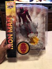 Diamond Select Toys DST Marvel IRON MAN Action Figure, NEW in Damaged Box