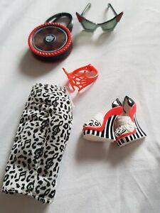 2012 Monster High Operetta Doll, Daughters bag, skirt, glasses, shoes and belt