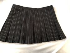 Guess Jeans Women's Pinstriped Black Mini Skirt Pleated size 29 (237)