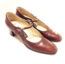 GIVENCHY - VTG Classic Brown Leather Block Heel Mary Jane Pumps 8 AAA